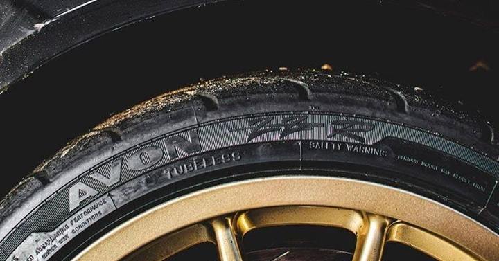 Picture of Avon ZZR tire