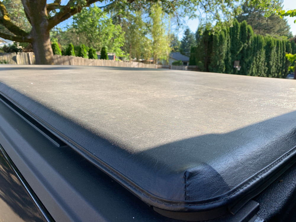 a stretch and snap style vinyl tonneau cover