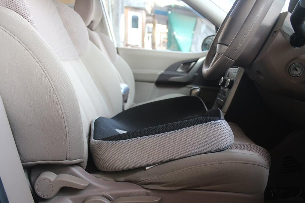 U-shape seat cushion in the driver's seat