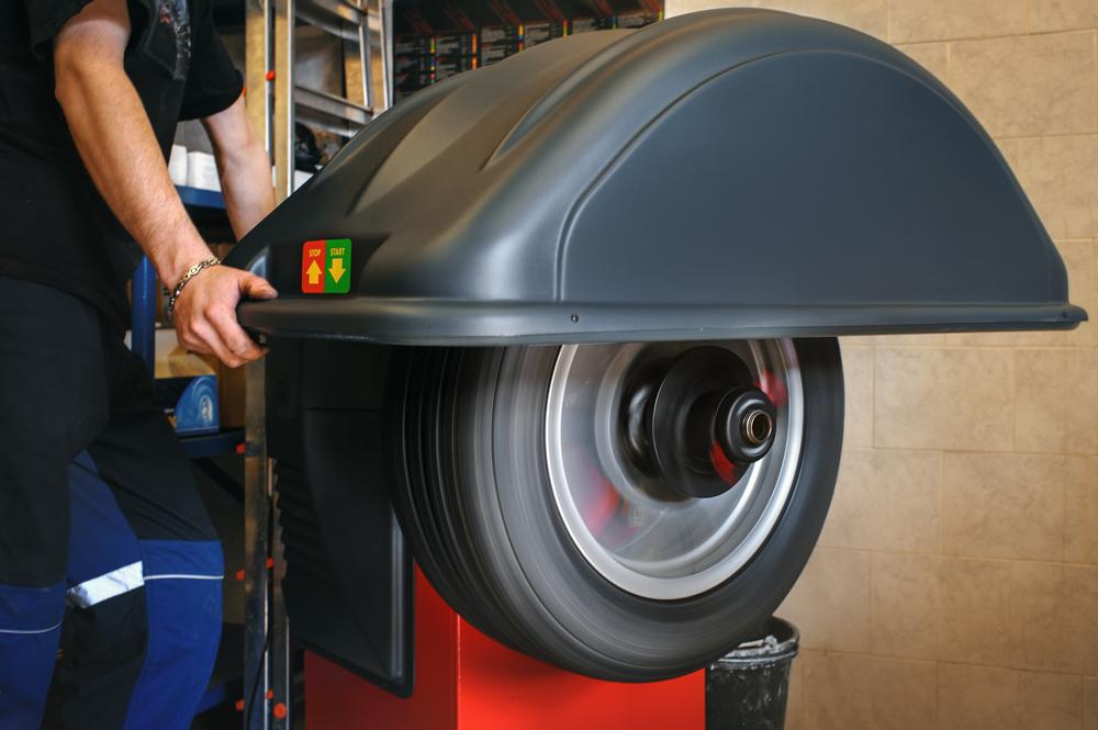 tire balancing machine
